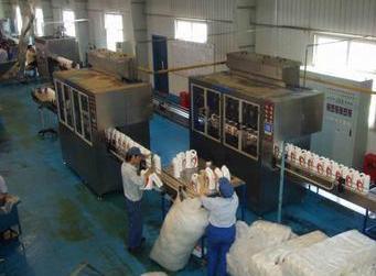 润滑油灌装机械在生产线中的应用